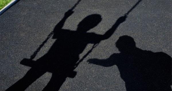 Phạt tới 20 năm tù cho đến bị tù chung thân tới tử hình là hình phạt mà những kẻ dâm ô, giao cấu và hiếp dâm trẻ em sẽ phải chịu trước pháp luật