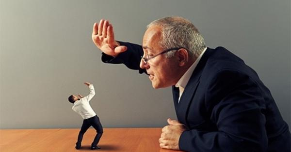 """4 dấu hiệu chứng tỏ sếp là nguyên nhân chính khiến không khí làm việc căng thẳng, """"độc hại"""" với mọi nhân viên"""