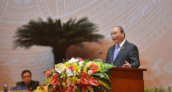Thủ tướng Nguyễn Xuân Phúc: Lý tưởng sống của giới trẻ là gì?