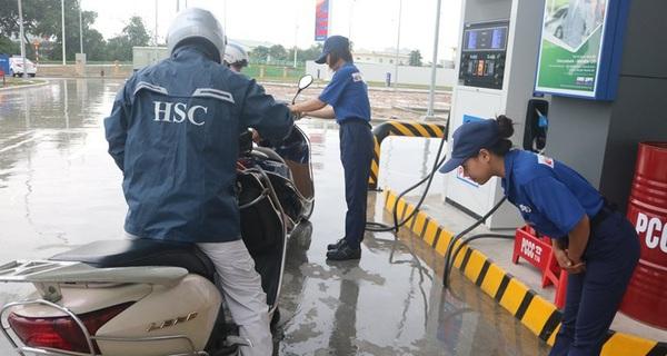 Mở cây xăng đầu tiên ở Việt Nam, Idemitsu Q8 bán xăng quá chuyên nghiệp