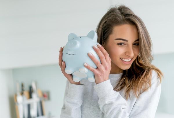 """Nếu không phung phí tiền lương mua những thứ này, không biết chừng bạn có thể tiết kiệm được một """"rổ tiền"""" cũng nên"""