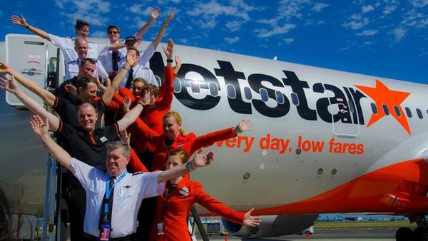 """Bản thân là hàng không giá rẻ, vì sao Jetstar Pacific lại """"đòi"""" áp giá sàn vé máy bay?"""