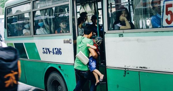 Đây là những cảnh tượng trên đường phố khiến bạn nhận ra: Sài Gòn thật khác, khi đã 5 giờ chiều!