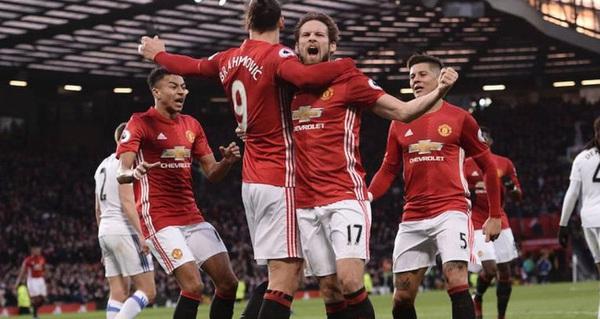 """Đánh thức ký ức thương hiệu """"theo cách của Man United ngày xưa"""""""