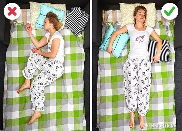 Hãy thay đổi một chút tư thế ngủ như thế này, chắc chắn sáng mai bạn sẽ bắt đầu ngày làm việc cực kỳ hưng phấn