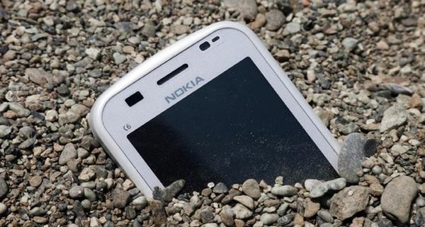 Apple, Google, Samsung, Microsoft, Amazon…: Gã khổng lồ công nghệ nào dễ theo bước Nokia và BlackBerry nhất?