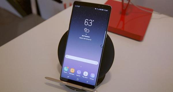 Lần đầu tiên có một nhà bán lẻ trợ giá khách hàng mua điện thoại lên tới 8,5 triệu đồng, kèm gói cước hấp dẫn