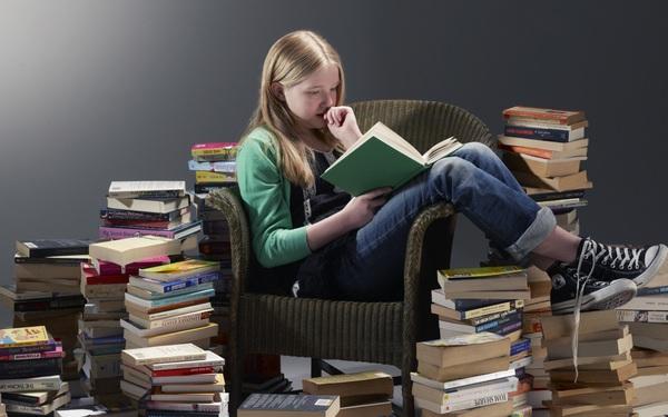 """Đọc sách là tốt, nhưng dân sales cũng rất dễ """"tẩu hỏa nhập ma"""" nếu không cẩn thận khi tìm mua sách kinh doanh để nghiên cứu"""