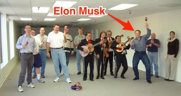 CEO Elon Musk đang công khai tuyển dụng 473 nhân sự làm việc tại SpaceX, bao gồm cả kĩ sư CNTT, sale, cho tới... thợ điện