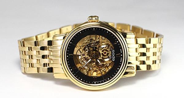 Ý kiến chuyên gia: Bỏ ra 60 triệu mua đồng hồ xịn nhưng không đọc kĩ chính sách, khách hàng cũng nên xem lại