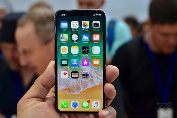 Càng cố sửa càng lỗi, các kỹ sư phần mềm Apple trải qua một tuần thảm họa