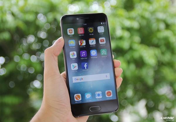 """25 lần nhắc từ """"Bphone 2017"""" trong một clip quảng cáo, BKAV khẳng định đây là smartphone đáng mua nhất hiện nay"""