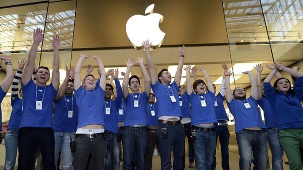 Tuyệt chiêu 'tẩy não' nhân viên của Apple: Lương thấp cũng không sao, miễn là tôi được làm việc tại Apple!