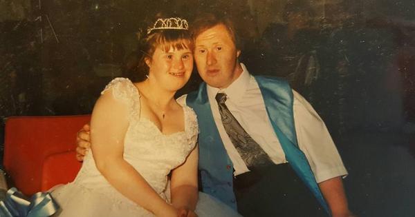 Sau 22 năm, cặp đôi mắc hội chứng Down vẫn yêu nhau như ngày đầu gặp gỡ