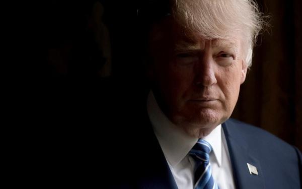Nhìn vào những hình ảnh tâng bốc bản thân vào mỗi sáng - Thói quen của Tổng thống Mỹ Donald Trump, ai cũng nên học theo nếu muốn thành công