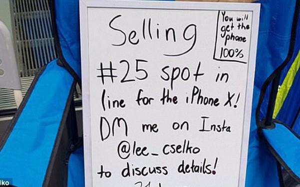 Anh chàng tuổi teen bán chỗ ngồi xếp hàng tại Apple Store với giá 500 USD qua instagram, kiếm tiền thời iPhone X không thể dễ hơn