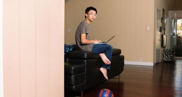 Trong khi bạn bè cùng lớp chỉ biết chơi điện tử, thần đồng máy tính 17 tuổi này đã khuấy đảo ngành AI, được Elon Musk nhận ngay vào thực tập