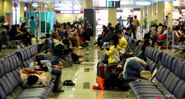 Sân bay Tân Sơn Nhất, 3h sáng ngày 26 Tết