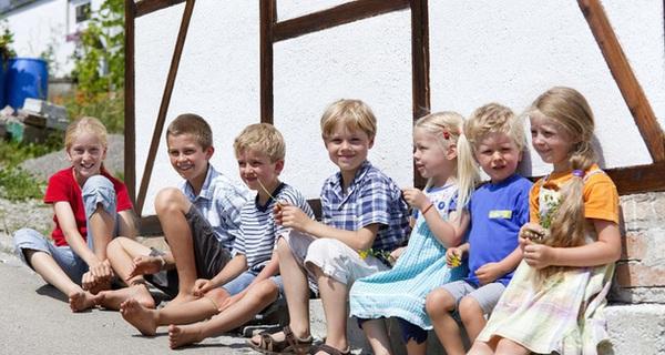 Học cha mẹ Đức nuôi dạy con độc lập bằng 3 bí quyết đơn giản