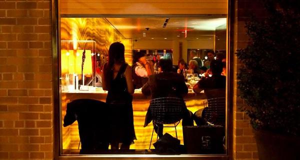 Vì sao các nhà hàng siêu sang tại Mỹ có giá cao cắt cổ nhưng khách muốn ăn vẫn phải đặt chỗ trước cả tuần?