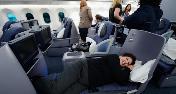 """Những mẹo đi du lịch cực hữu ích được """"bật mí"""" từ các tiếp viên hàng không"""