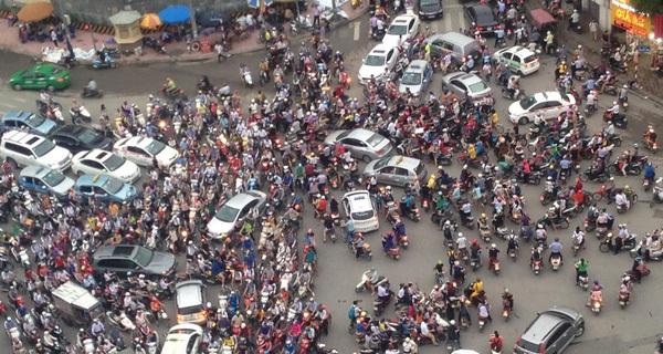 Hà Nội không cấm mà chỉ tính dừng xe máy sau 2030