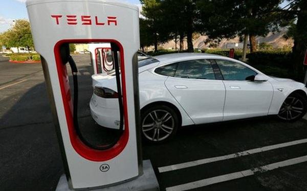 Xin lỗi Elon Musk, xe điện của Tesla rất tuyệt nhưng thế giới cần 2,7 nghìn tỷ USD để chúng trở nên hữu dụng