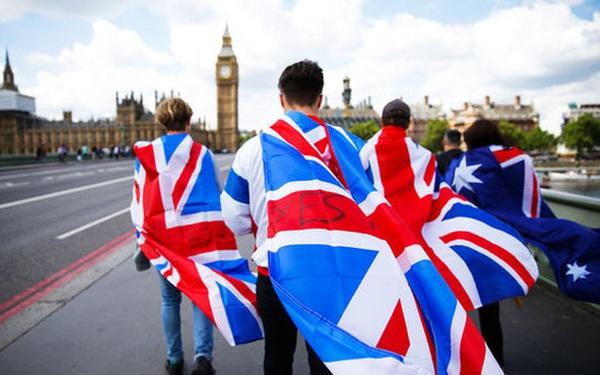 """Brexit """"cứng"""" có thể khiến người Anh nghèo đi"""