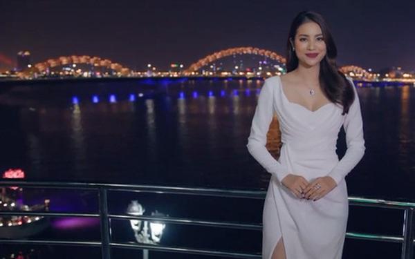 Hoa hậu Phạm Hương tự hào khi giới thiệu những cảnh đẹp mê hồn tại Đà Nẵng trước thềm APEC