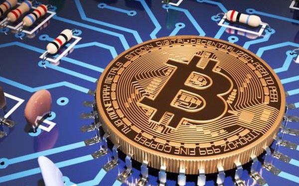 Bitcoin giảm 2.000 USD và mất 1/4 giá trị, phần thắng thuộc về ai trong trận chiến bitcoin vs bitcoin cash?