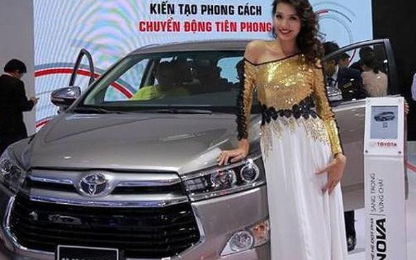 Ô tô ngoại nhập về Việt Nam bất ngờ tăng đột biến