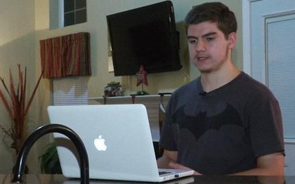 Đây là chàng trai 17 tuổi đã khiến Apple phải xin lỗi cả thế giới, đứng trước nguy cơ bị kiện hàng tỷ USD