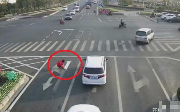 Trung Quốc: Vẽ lại vạch kẻ đường để đi làm cho đỡ tắc