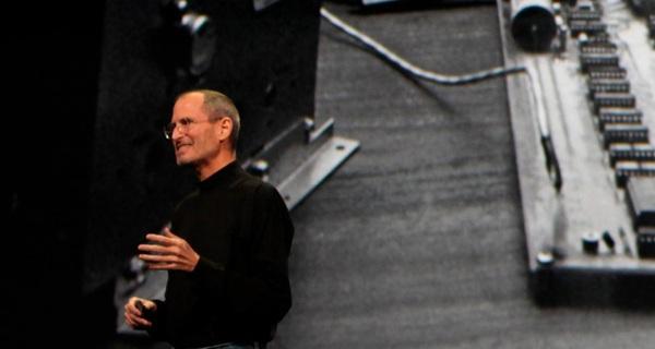 30 tuổi bị sa thải khỏi chính công ty mình sáng lập, Steve Jobs đã vượt qua cú sốc này và vực dậy Apple như thế nào?