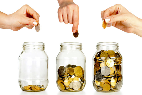"""Mỗi giai đoạn của cuộc đời, bạn cần tiết kiệm tiền thế nào mới đủ để """"tự do tài chính""""?"""