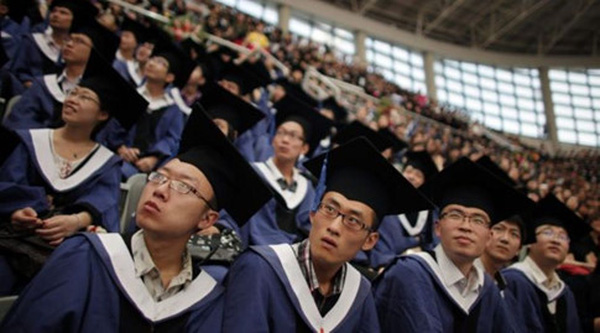 Sinh viên ở nước giàu như Nhật Bản cũng phải vay nợ ngập đầu để có tiền đi học