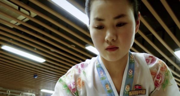 Điều kỳ lạ gì đang diễn ra trong nhà hàng Triều Tiên trên đất Trung Quốc?