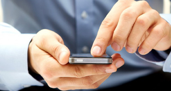 """Nhờ ứng dụng này bạn có thể dễ dàng tìm kiếm thông tin việc làm, thậm chí """"chat"""" trực tiếp với nhà tuyển dụng"""