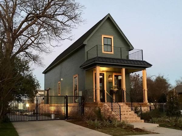Căn nhà bỏ hoang chẳng ai muốn mua, cải tạo lại đẹp như biệt thự giá bán tăng gấp 34 lần