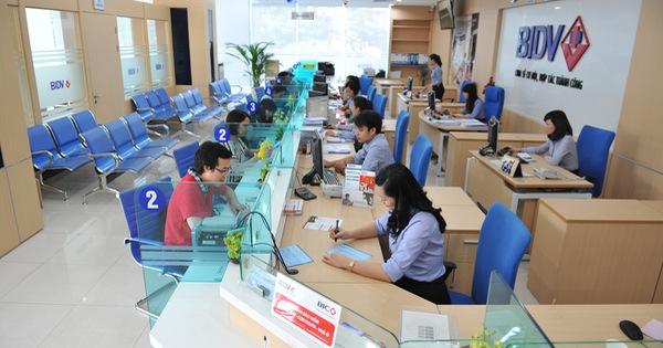 Tiền của dân và tổ chức gửi vào hệ thống ngân hàng lên đến hơn 6 triệu tỷ đồng