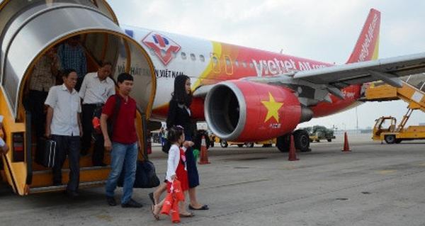 """""""Tàu bay về muộn"""" khiến Vietjet Air delay 200 chuyến bay chỉ trong 1 tuần"""