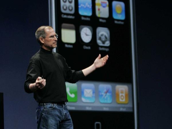 """iPhone: 10 năm """"Công nghệ vị Nhân sinh"""""""