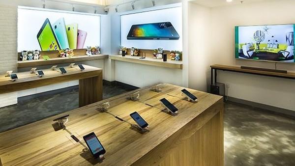 """Nếu Samsung cũng học theo cách Xiaomi vừa làm, các ông lớn bán lẻ như Thế giới di dộng hay FPT Shop chắc chắn sẽ phải """"méo mặt"""""""