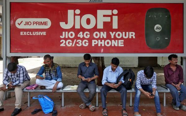 """Bùng nổ Internet giá rẻ đang đem lại hệ lụy """"web đen"""" cho Ấn Độ"""