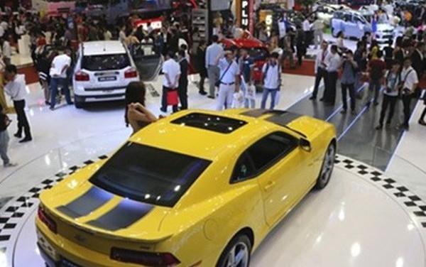 """Vì đâu người Việt """"vỡ mộng"""" mua ô tô nhập giá rẻ?"""