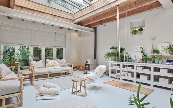 Ngôi nhà trắng đẹp như tranh vẽ với những góc nhà lung linh chẳng khác gì studio