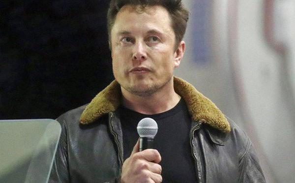 """Mất chức chủ tịch, bị phạt 20 triệu USD, đây là những gì Elon Musk """"tâm sự"""" với nhân viên Tesla"""