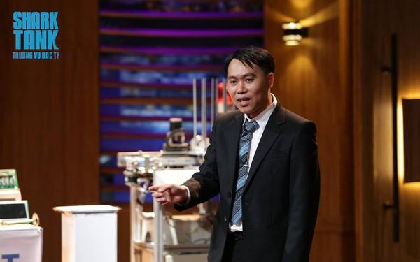 """Shark Phú đầu tư nửa triệu USD vào startup robot tự động hóa dù cho rằng sản phẩm chỉ """"thỏa mãn đam mê chứ không bán được cho các công ty lớn"""""""