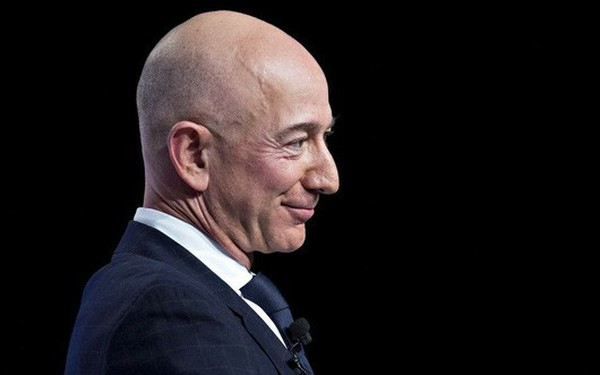 """500 người giàu nhất thế giới """"mất"""" gần 100 tỷ USD trong một ngày"""