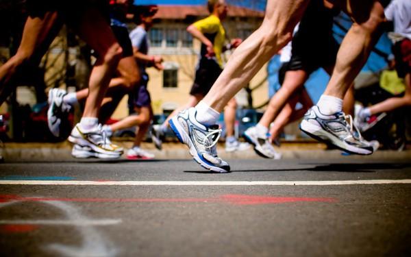 Bán cam ở giải đua marathon: Nghệ thuật chào hàng khiến không ai có thể từ chối của người làm sales